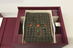 Four Wall Drop Spine Box With Acrylic Glazing